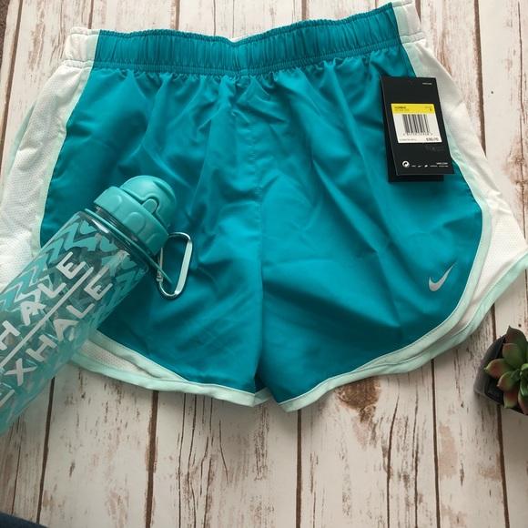 Nike Women s Dry Tempo Shorts 59c1be9fe